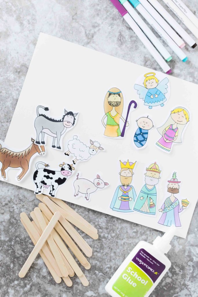 Your kids will have so much fun with these super cute and meaningful Christmas Story Stick Puppets Free Printables