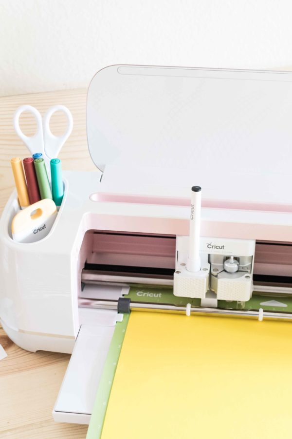 Cricut Maker cutting Cardstock Paper