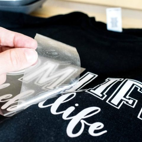 How to Make Custom T-Shirts with your Cricut
