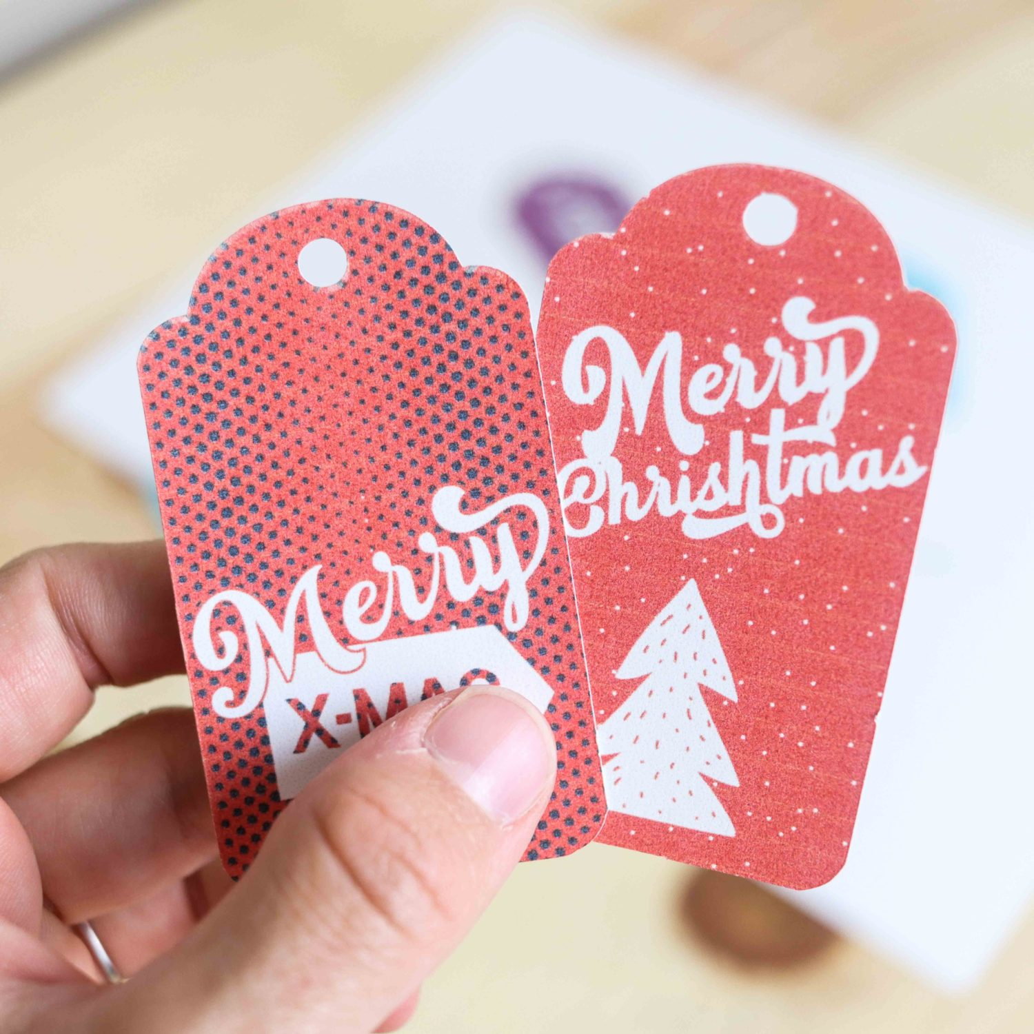 Retro style Christmas gift tags (Red)